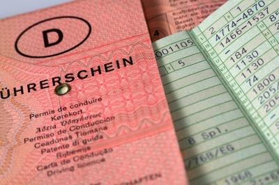 Fahren mit deutschem Führerschein in Spanien, Erneuerung beantragen