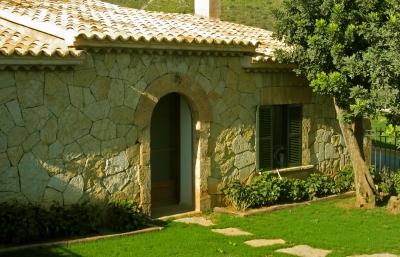 haus im hinterland wohnen in spanien auswandern nach spanien. Black Bedroom Furniture Sets. Home Design Ideas