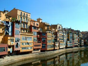 Girona , Reiseinformationen, Sehenswürdigkeiten, Flughafen,